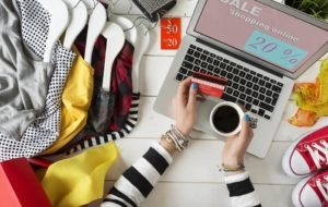 Why Is Online Clothes Shopping Becoming So Popular?